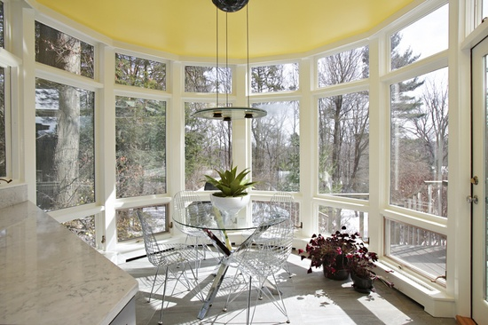 The breakfast/sun room